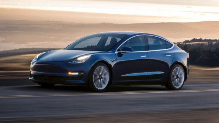 На электромобиль Тесла 2019 года цена