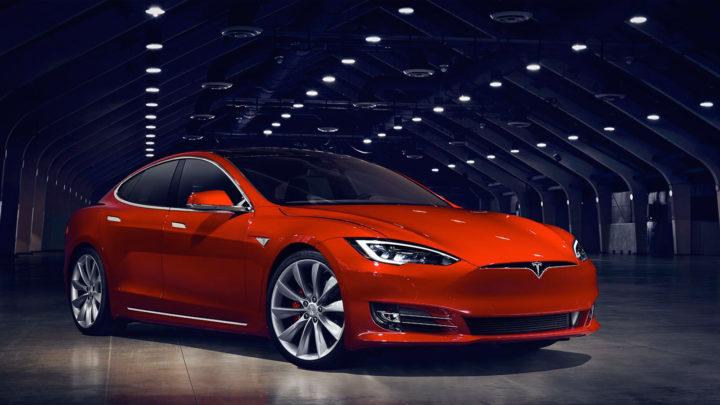 Tesla Model S P100D в России