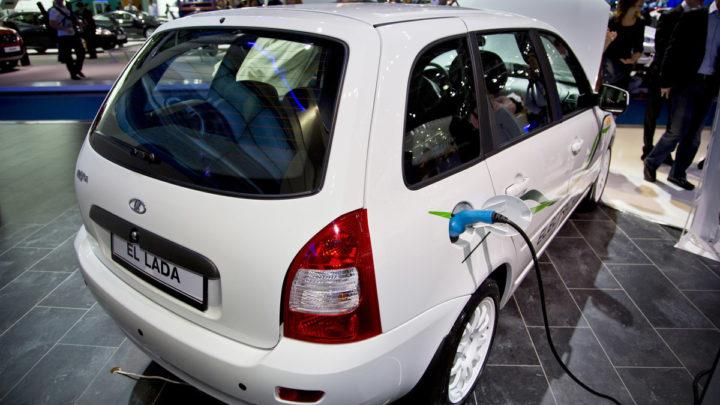Электромобиль в России
