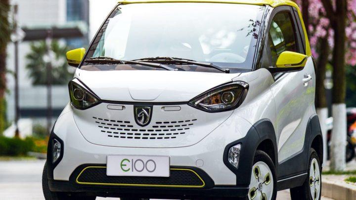 Китайский мини электромобиль
