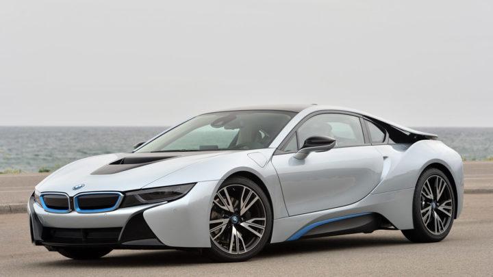 Электрокар BMW i8